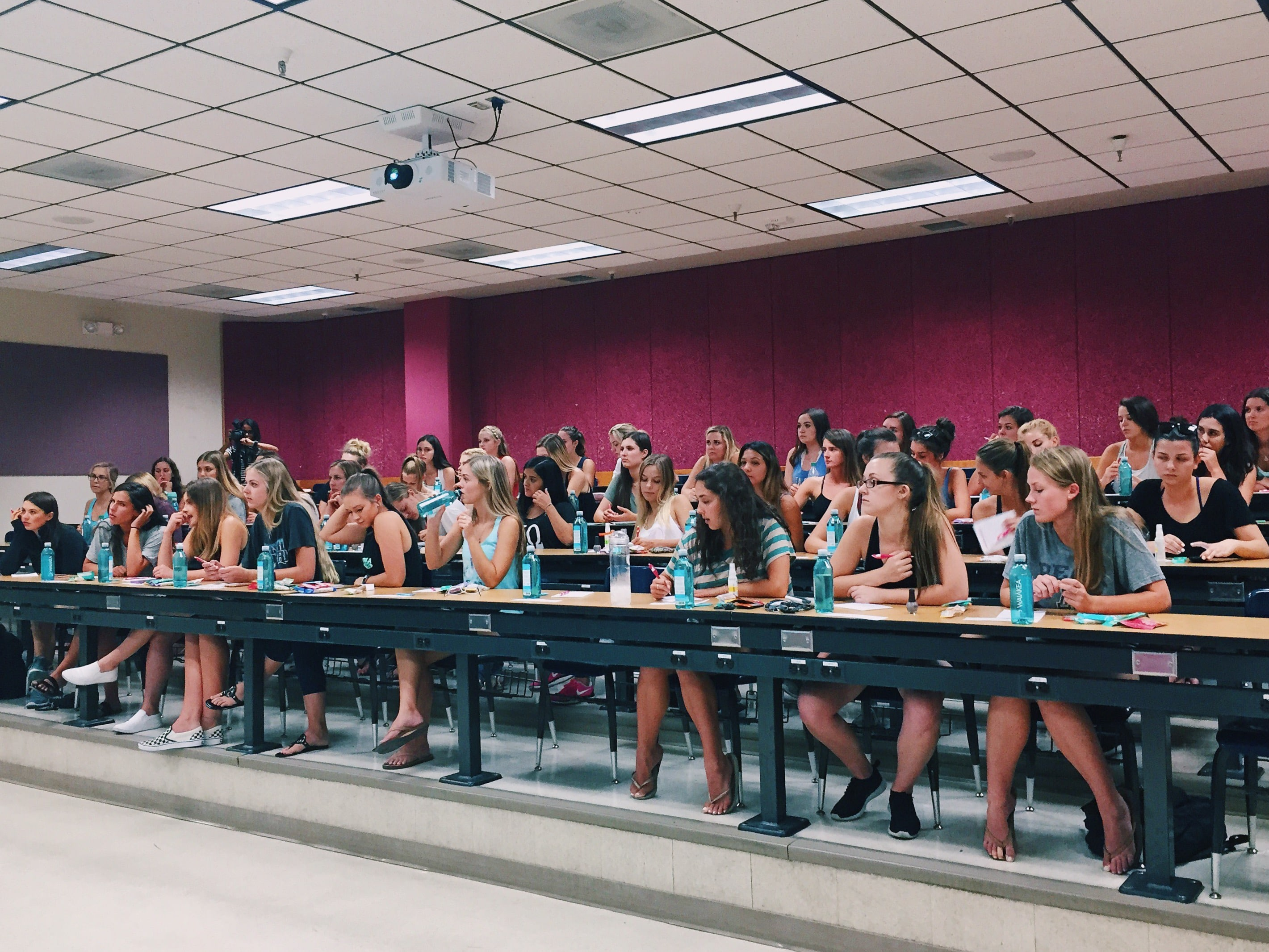 university-of-arizona-strong-girl-workshop-panhellenic-min