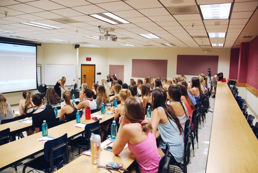 the strong movement strong girl workshop sorority programming panhellenic arizona4