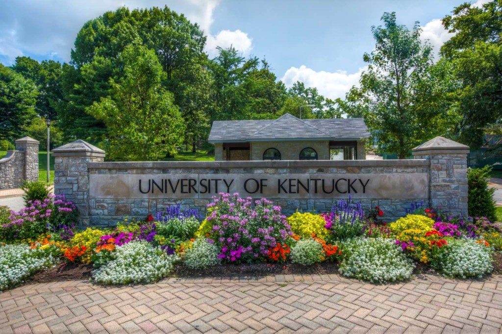 university-of-kentucky-the-strong-movement-strong-girl-campus-community-min