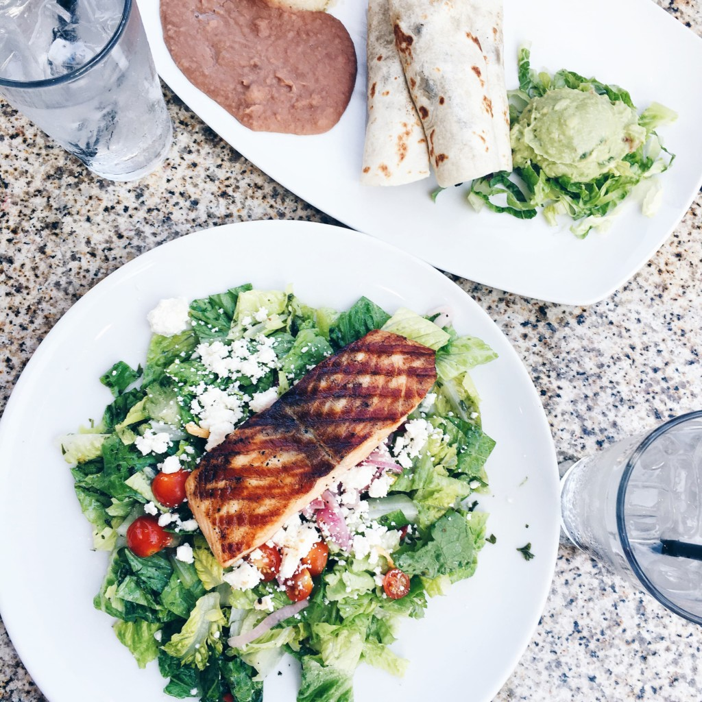 glorias-restaurant-austin-the-district-strong-movement-strong-girl-nutrition-min