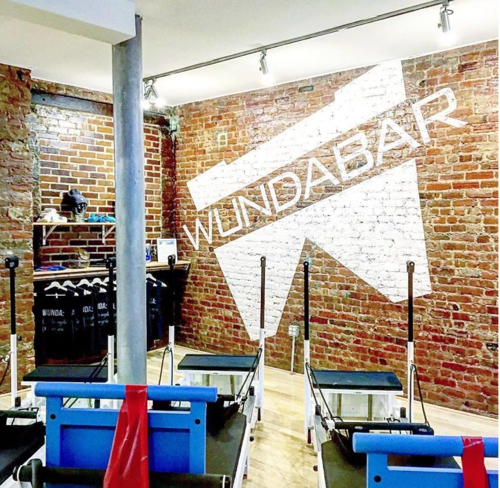 wundabar-pilates-the-strong-movement-strong-girl-los-angeles-min