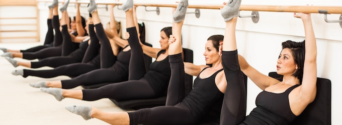 strong girl guide to barre bar method class-min
