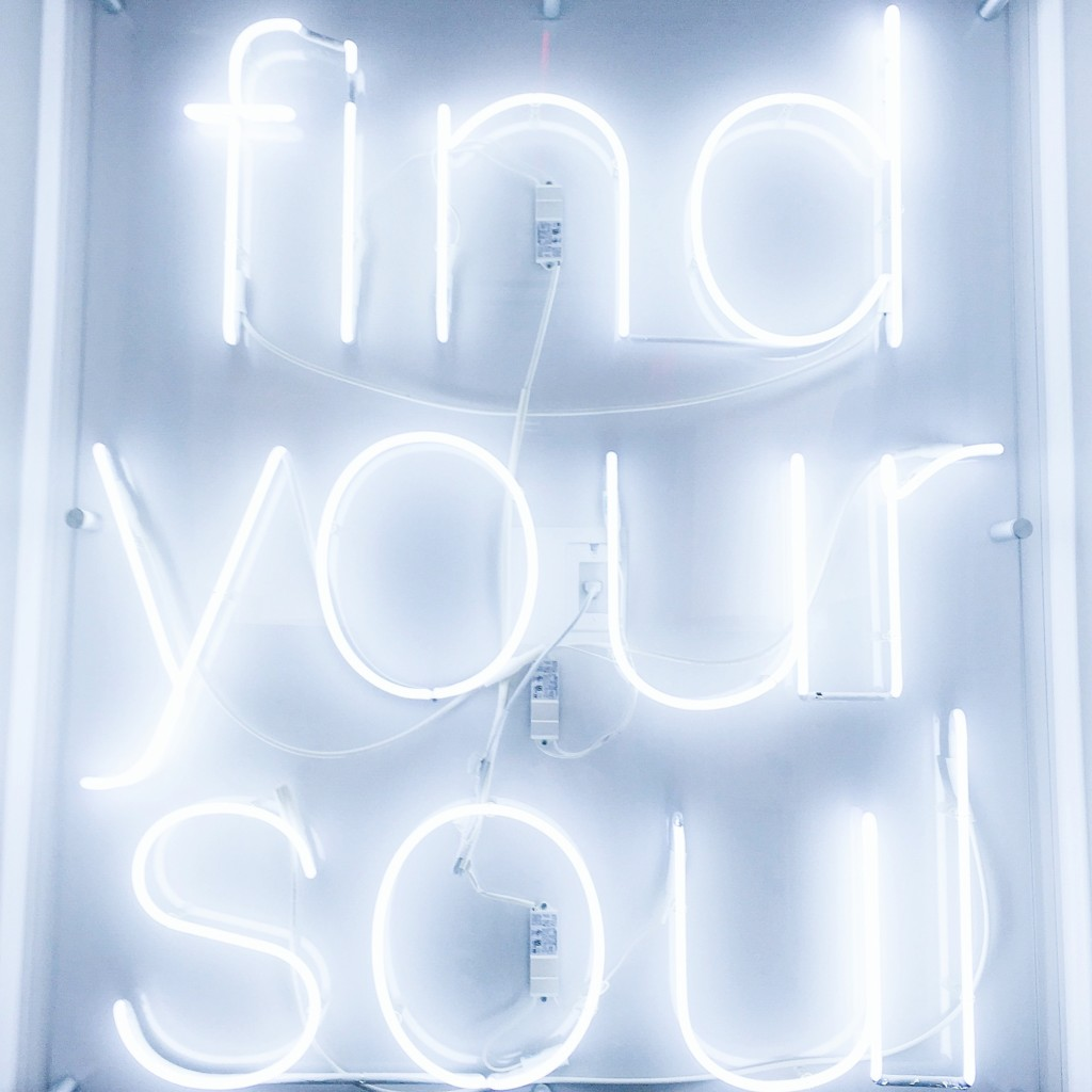 strong girl guide to spin class find your soul soulcycle mantra positive affirmations-min