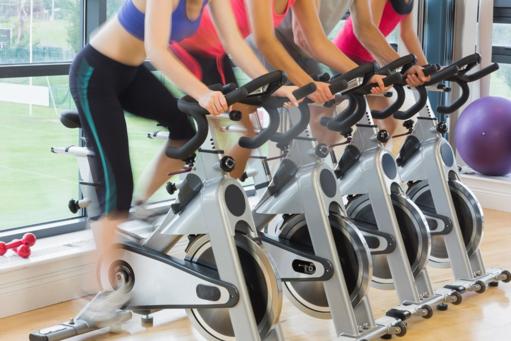 strong girl guide to spin class the strong movement first time rider tips -min
